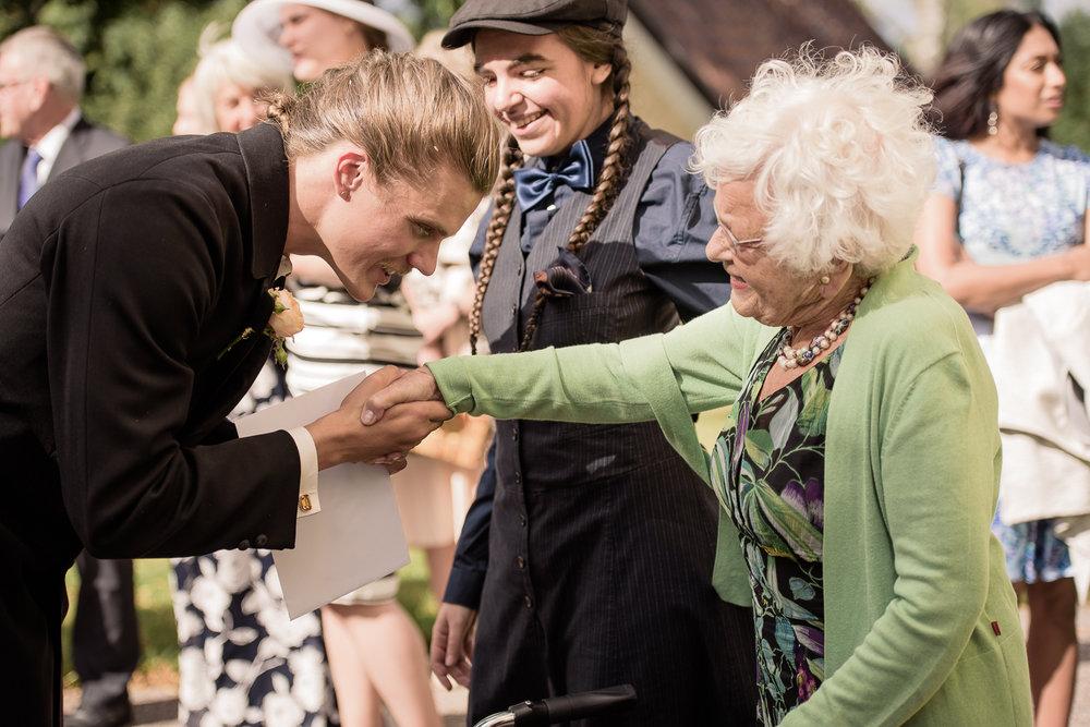 Bohemiskt lantligt bröllop i gammal byskola-63.jpg