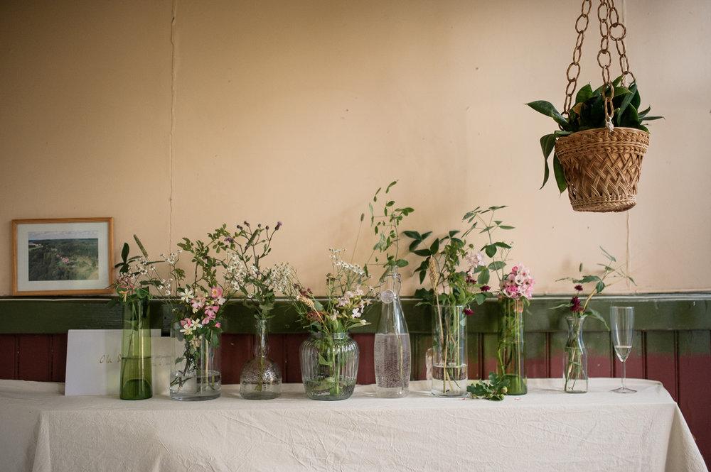 Bohemiskt lantligt bröllop i gammal byskola-110.jpg