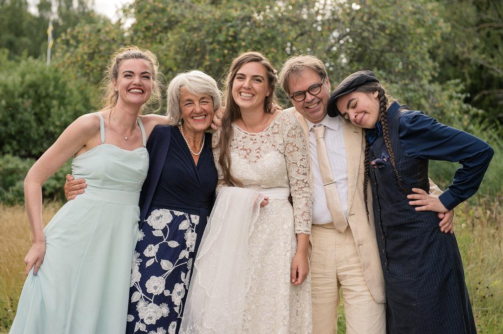 Bohemiskt lantligt bröllop i gammal byskola-125.jpg