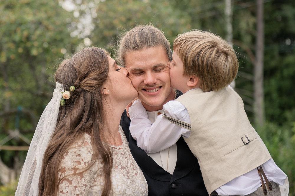 Bohemiskt lantligt bröllop i gammal byskola-132.jpg