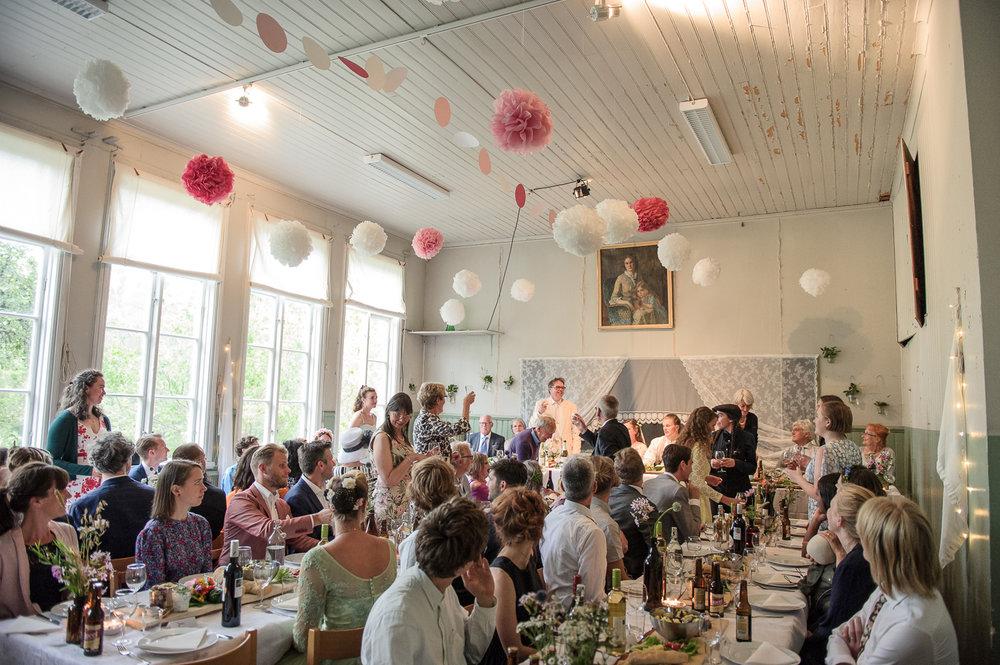 Bohemiskt lantligt bröllop i gammal byskola-142.jpg