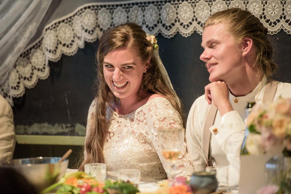 Bohemiskt lantligt bröllop i gammal byskola-148.jpg