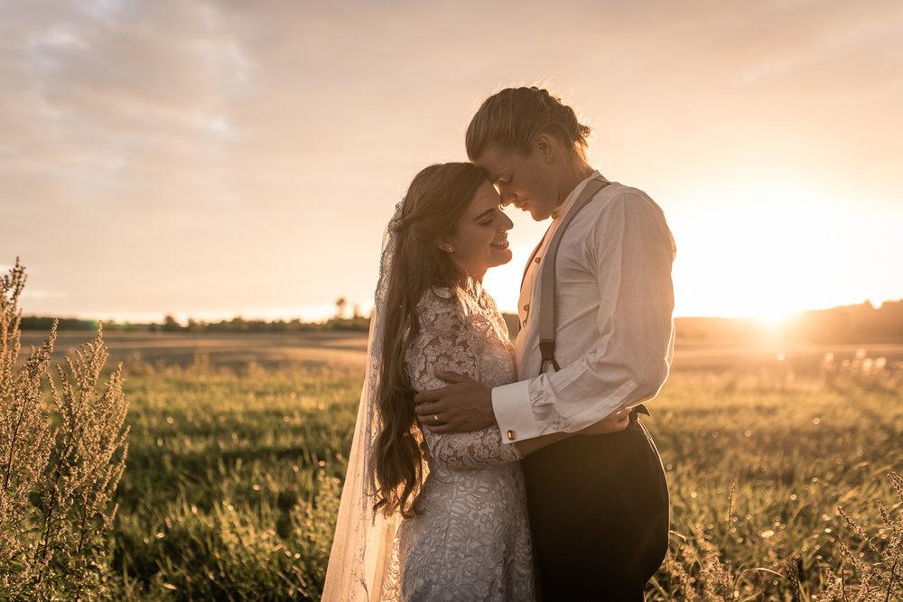 Bohemiskt lantligt bröllop i gammal byskola-166.jpg