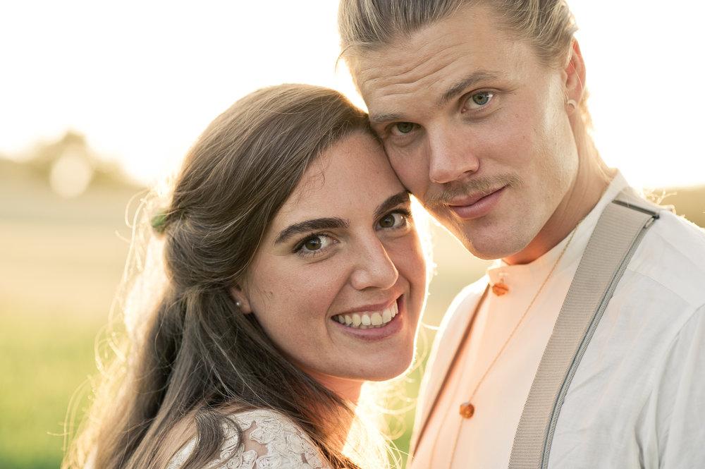 Bohemiskt lantligt bröllop i gammal byskola-170.jpg