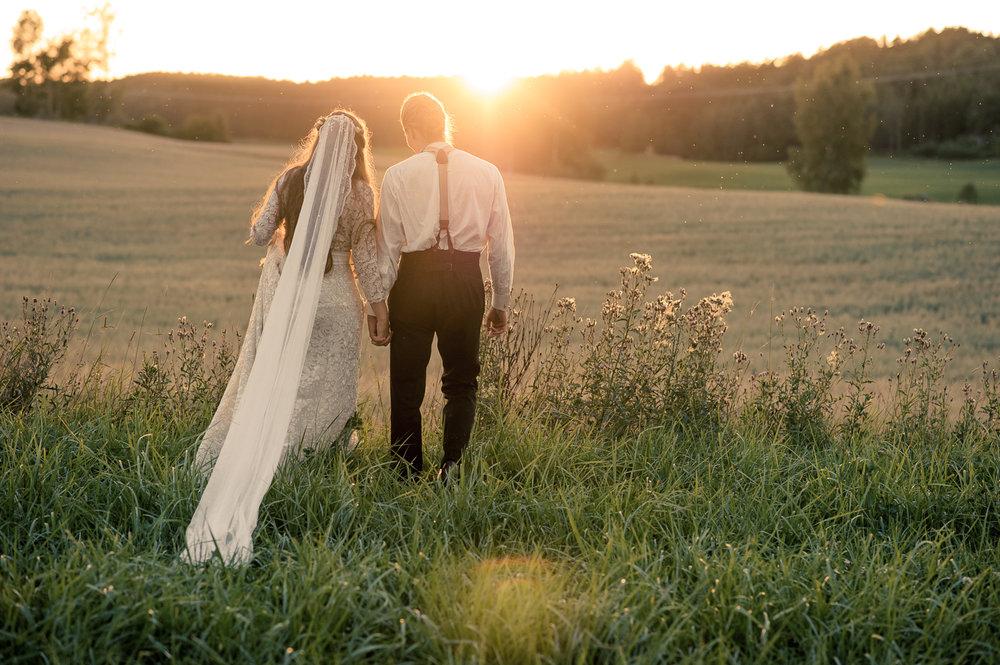 Bohemiskt lantligt bröllop i gammal byskola-180.jpg
