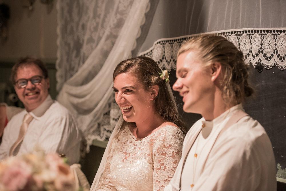 Bohemiskt lantligt bröllop i gammal byskola-190.jpg