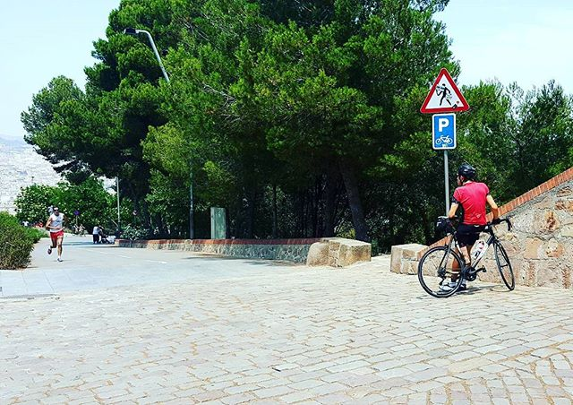 This cyclist just conquered a massive climb up Montjuïc.  Good to see peoppe challenging themselves.