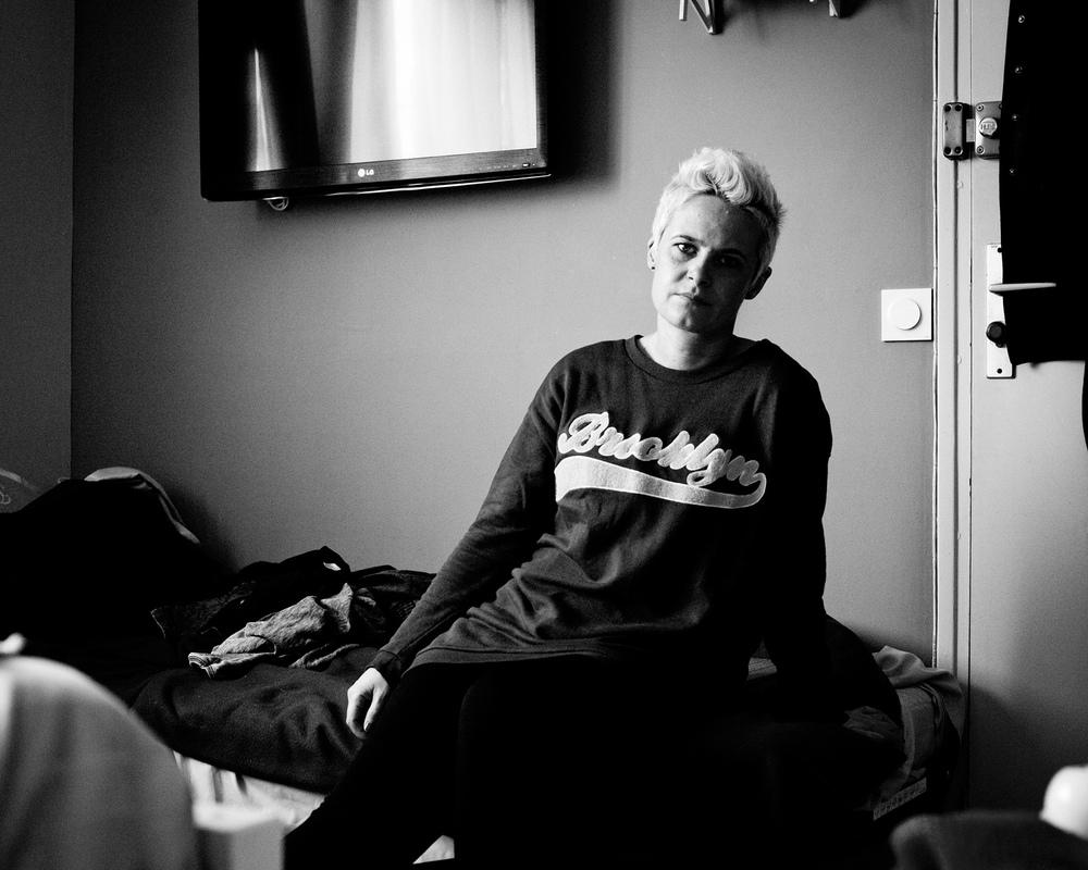 Portretfotografie documentaire zelfportret zwart-wit boos verdriet Honfleur Eindhoven