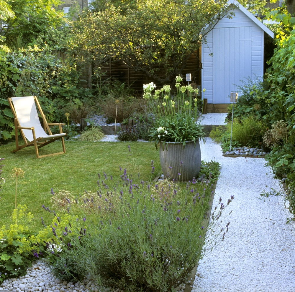 Urban seaside theme — Lynne Marcus Garden Design London
