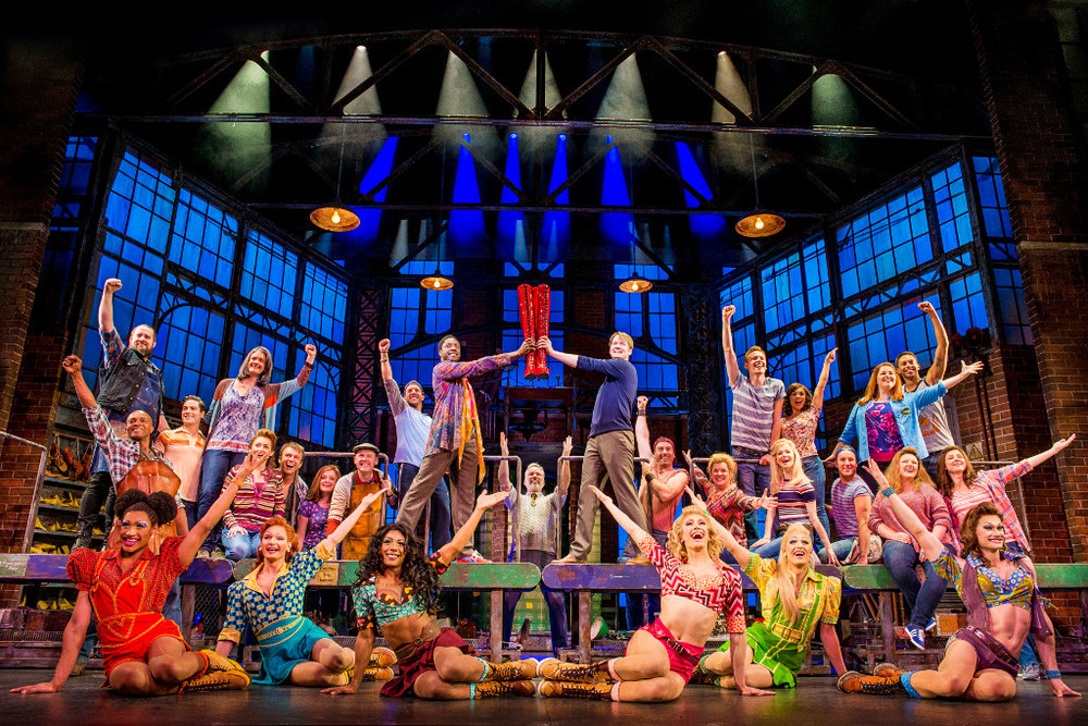 The cast of the  Kinky Boots  Production in London. Links to Theatre Trips by Coach.