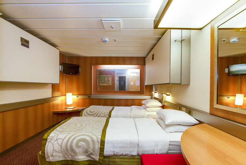 4-2-cat-2-standard-twin-inner-cabin-m45-three-berth-pullman-up-.jpg