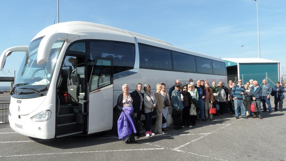 d&p-coach-with-passengers