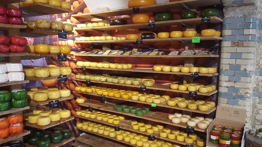 amsterdam-cheeses--pixabay-2133741_1920.jpg