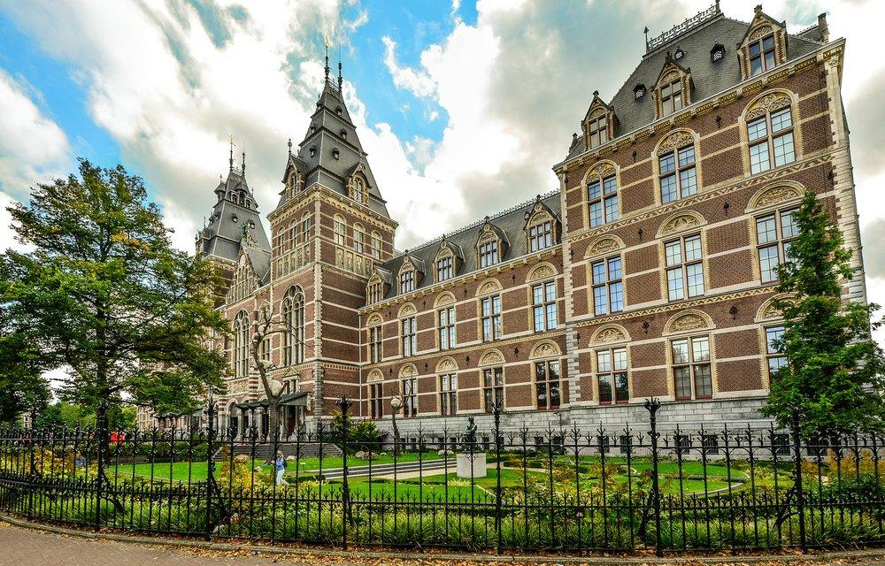 rijksmuseum-amsterdam--pixabay-2127625_1920.jpg