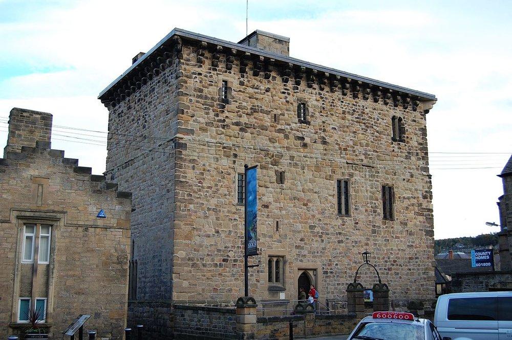 Hexham-Old-Gaol--1200px-wikipedia.jpg