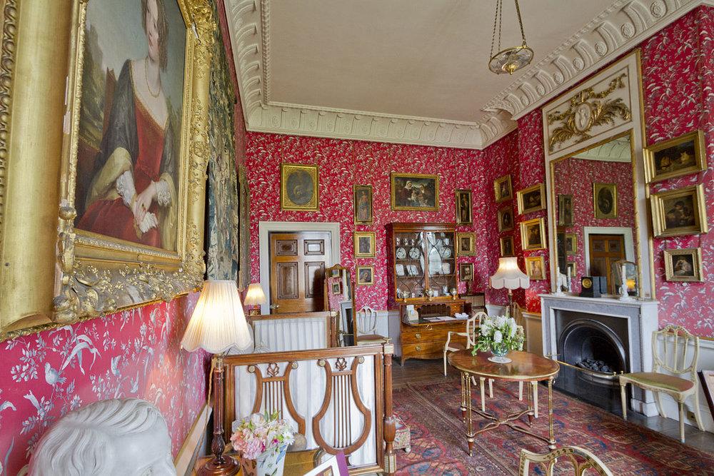 Castle-Howard-Lady-Georgianas-Dressing-Room--wikipedia-1200px.jpg