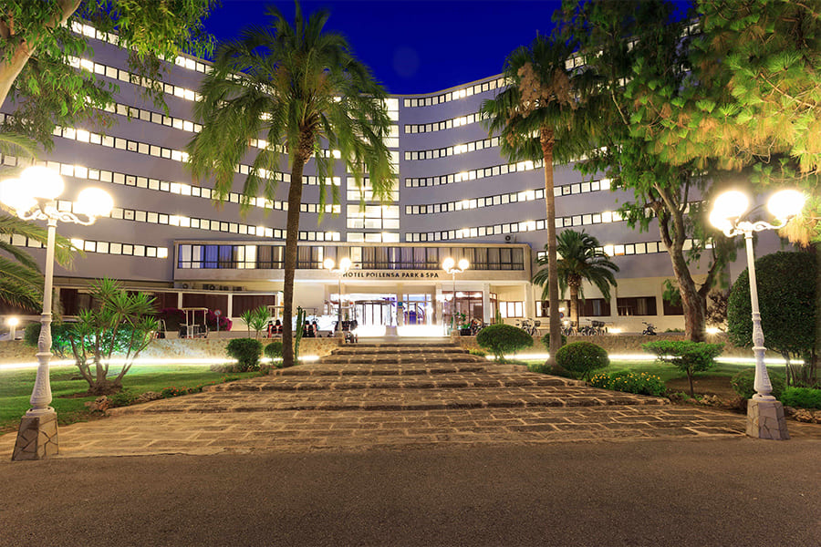 cabot-hotels-pollensa-main-entrance-exterior-at-night.jpg