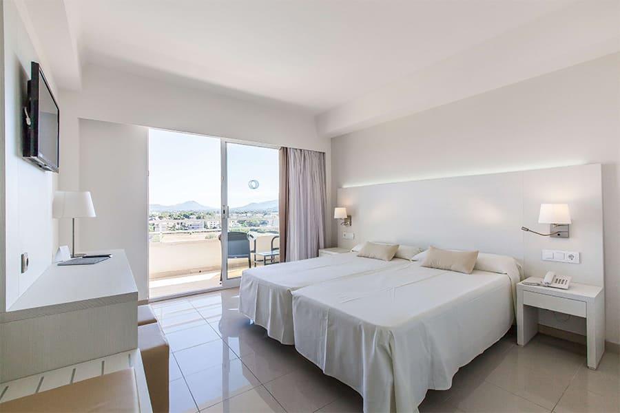 cabot-hotels-pollensa-park-standard-twin-room.jpg