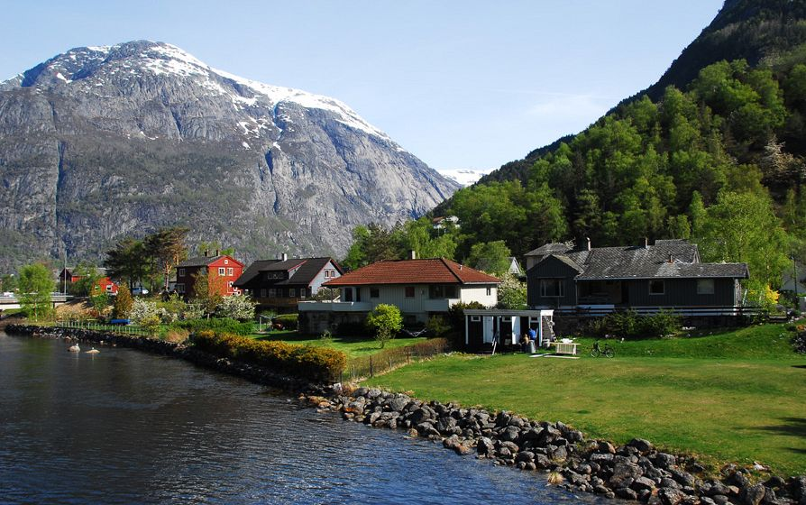 Eidfjord-Norway--cmv-c919-main.jpg
