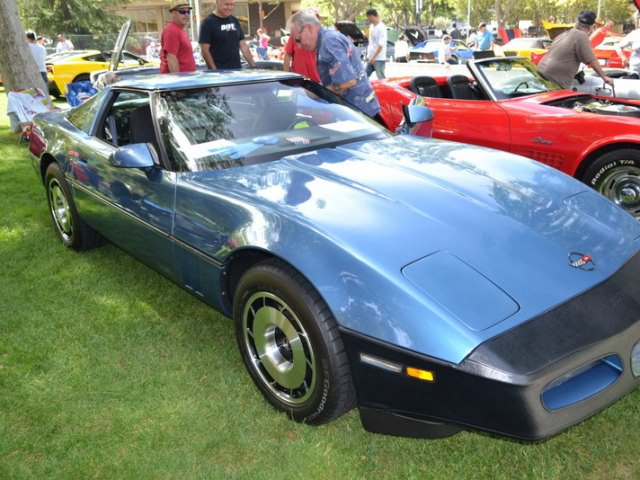 1985_Chevrolet_CorvetteCoupe_350ci_250HP_V-8_ofRC.jpg