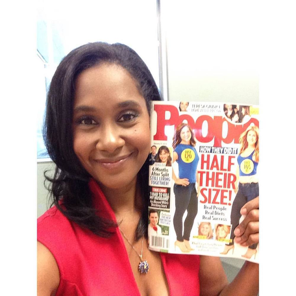 Me and the issue. #peoplemagazine #halftheirsize #2016 (at People Magazine HQ)