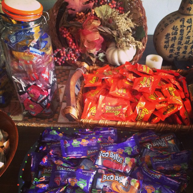 Even though I don't care for most candy, i still love Almond Joys and Kit Kats. #Halloween #HappyHalloween #almondjoy #kitkat #candy #reeses #snickers #lollipops #bubblegum #livehappily