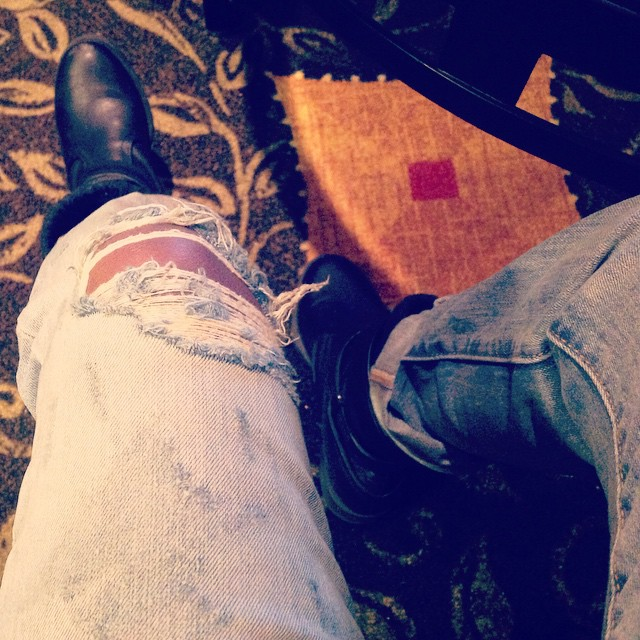 Love these Levi 501 boyfriend jeans. Super comfortable and funky look. #livehappily #levi #501 #boyfriendjeans #Hilton #Travel #thecitruslife #NewYork #RussellSageCollege #guessboots #fashion
