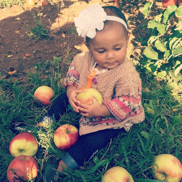 My little munchkin went apple picking. She's my love and my light. #proudaunty #livehappily #baby #babylife #twinning #thecitruslife #applepicking #love