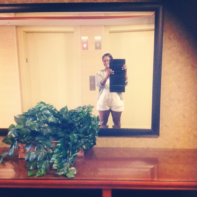 I would love this mirror in my hallway. #hilton #CT #connecticut #livehappily #thecitruslife #vintagetwinsdesign