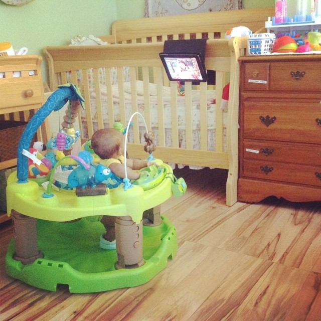 Her homemade flat screen. She can watch wherever she is and in any room with her DIY flat screen. Happy Summer. #livehappily #babylife #baby #summer #diy #flatscreen #ipad