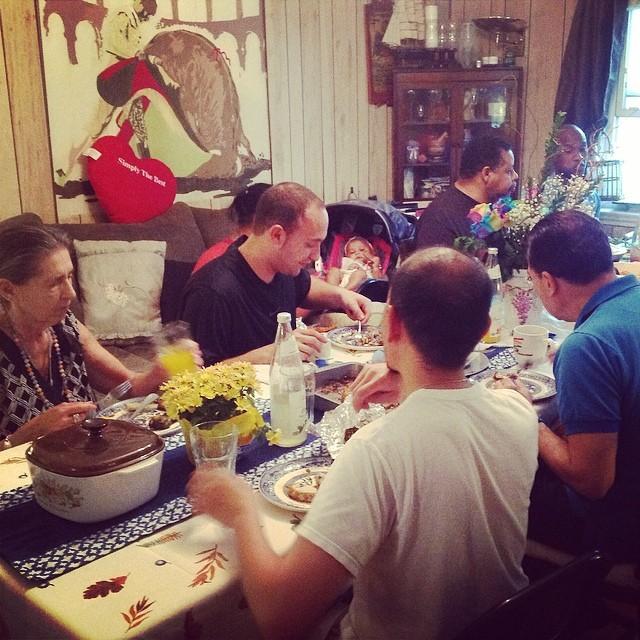 Family dinner table shot 2. #family #familytime #familydinner #mondaynightdinner #livehappily #thecitruslife