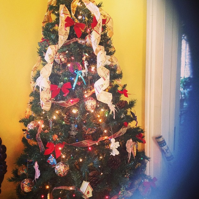 Love my sisters Christmas tree trimmings. #happyholidays #Thanksgiving #BlackFriday #livehappily #thecitruslife