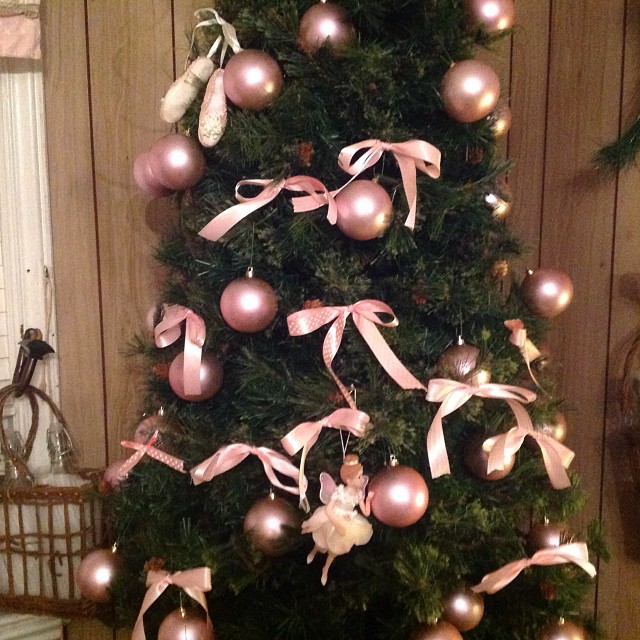 Pink and green Christmas tree as part of her pink and green Christmas baby shower. #twinning #auntiesrock #livehappily