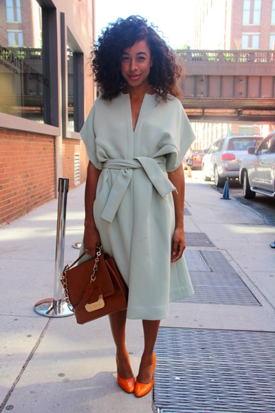 #CitrusStyleCrush is Corinne Bailey Rae and her bright citrus pumps. Love them! #LiveEatConnect