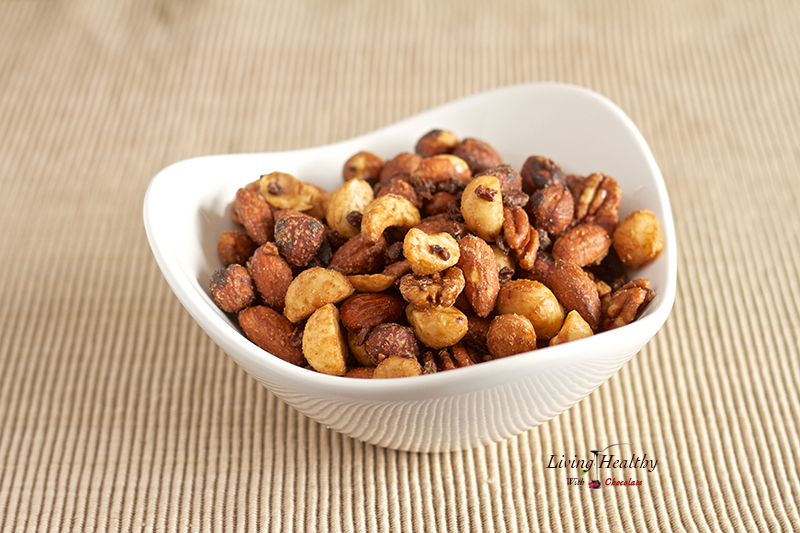 Try this nutty combo: Super yummy. Super healthy. Super #KeepItFresh Cacao nut clusters from Living Healthy. Cacao Nut Clusters click here for recipe #