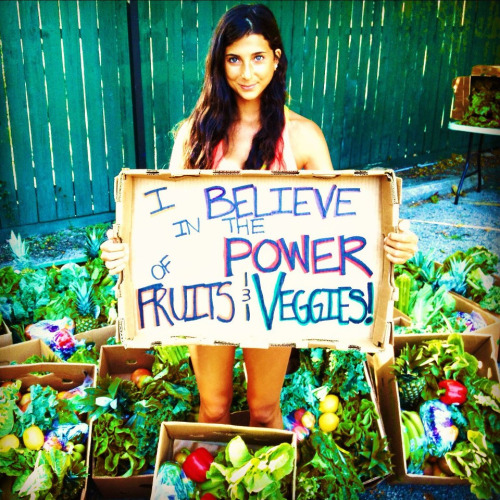 KWho doesn't love Kristina @fullyraw from Rawfully Organic (www.fullyraw.com). She has such an amazing spirit, story, and passion for fruits and veggies. #CitrusLife yogannina: Yessssss!