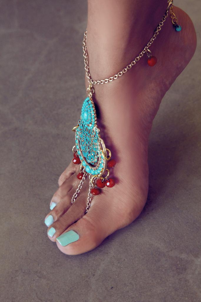 Feet Jewelry. Amazing