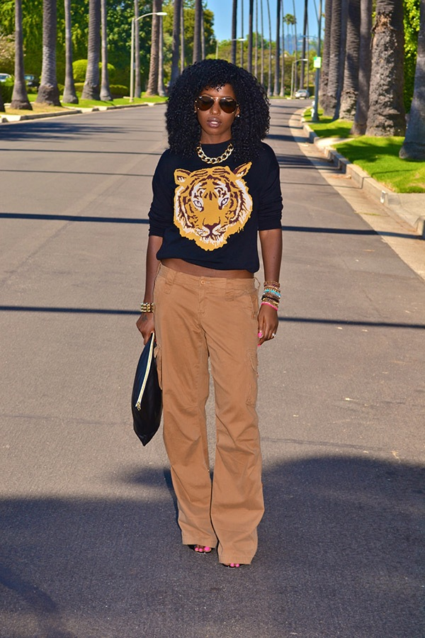 @StylePantry 's amazing tiger faced sweatshirt. Fierce and feisty for Fall.