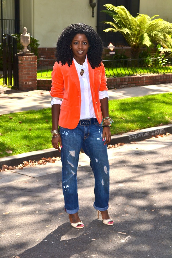 @StylePantry flaunts an Autumn friendly Pumpkin Blazer. Super Hot for cool temperatures.