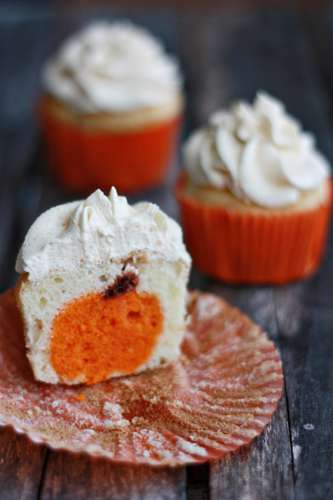 bakeddd: fabulous fall cupcakes click here for recipe