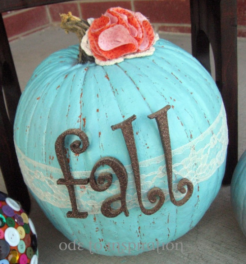 dreaming-of-autumn: Fun girly way to decorate a pumpkin