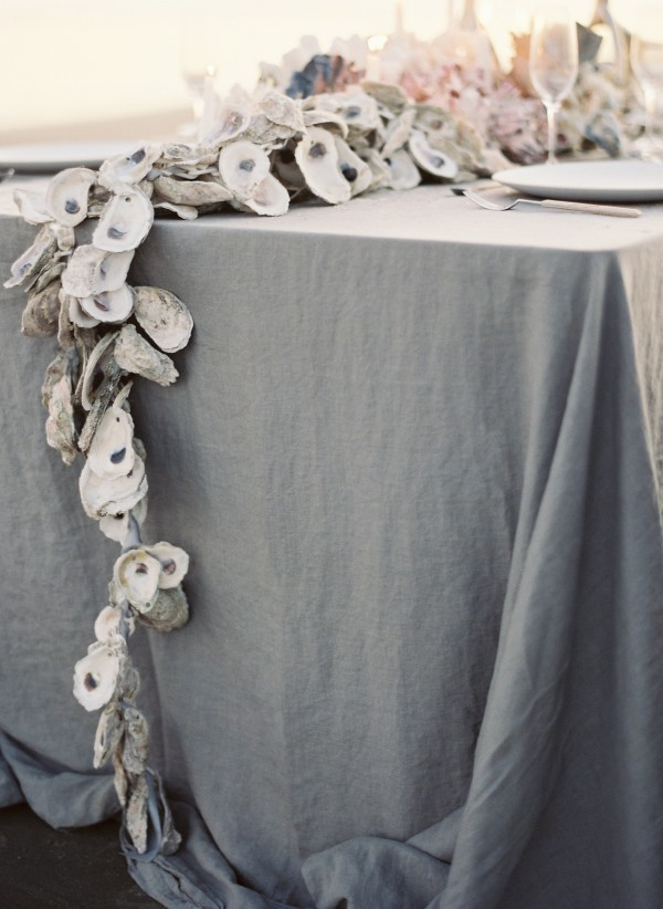 Gorgeous DIY Oyster Shell Garland. classymissmolassy: DIY Oyster Shell Garland.