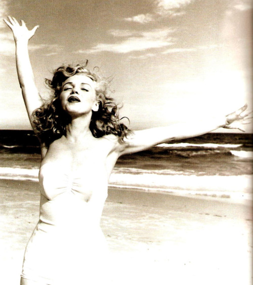 FreeSpirits ourmarilynmonroe: Photographed by Andre De Dienes, 1949