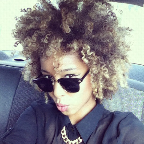 Always Love her hair! faarrow: Hello 😚 #Faarrow #Iman #ootd #curly #curlyhair #naturalhair (Taken with Instagram)