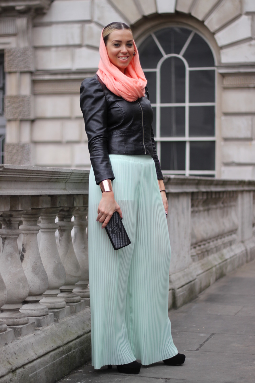 Loving pleats this season. Pant pleats.  streets-of-style: London Fashion Week 2012