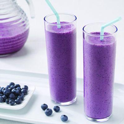 heyfranhey: beautifulpicturesofhealthyfood: Blueberry Smoothie…RECIPE That looks so pretty…