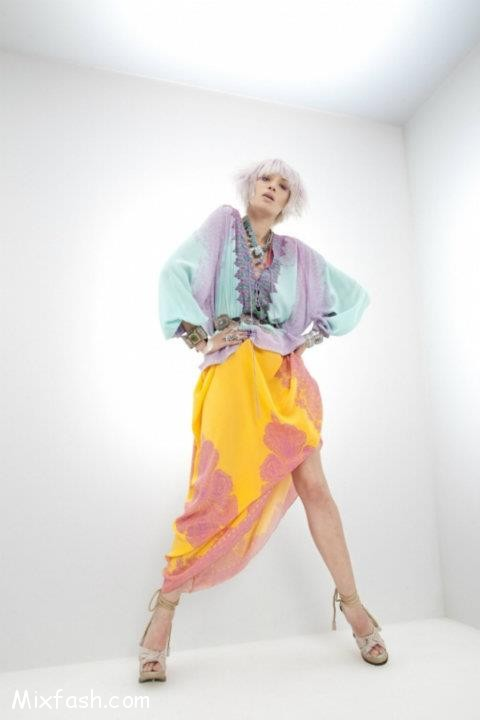 Love this twist on a traditional sari/hippie chic look from Roberto Cavalli
