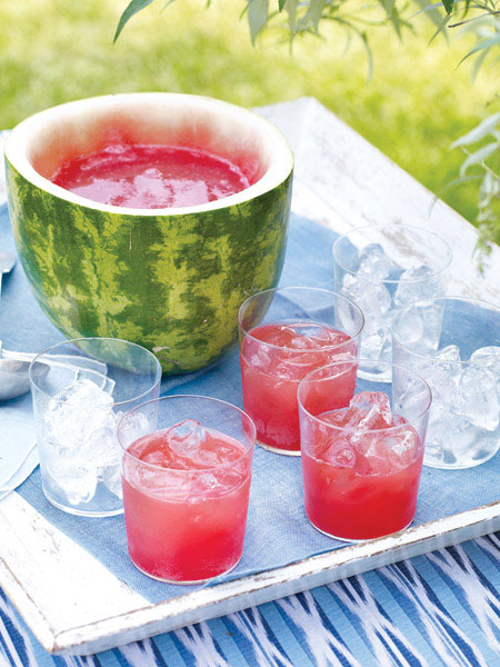 I saw a woman in midtown handing out free watermelon juice shots from a new organic juice company called, what else? Organic. It reminded me of this sweetly creative watermelon juice bowl. Happy Friday.