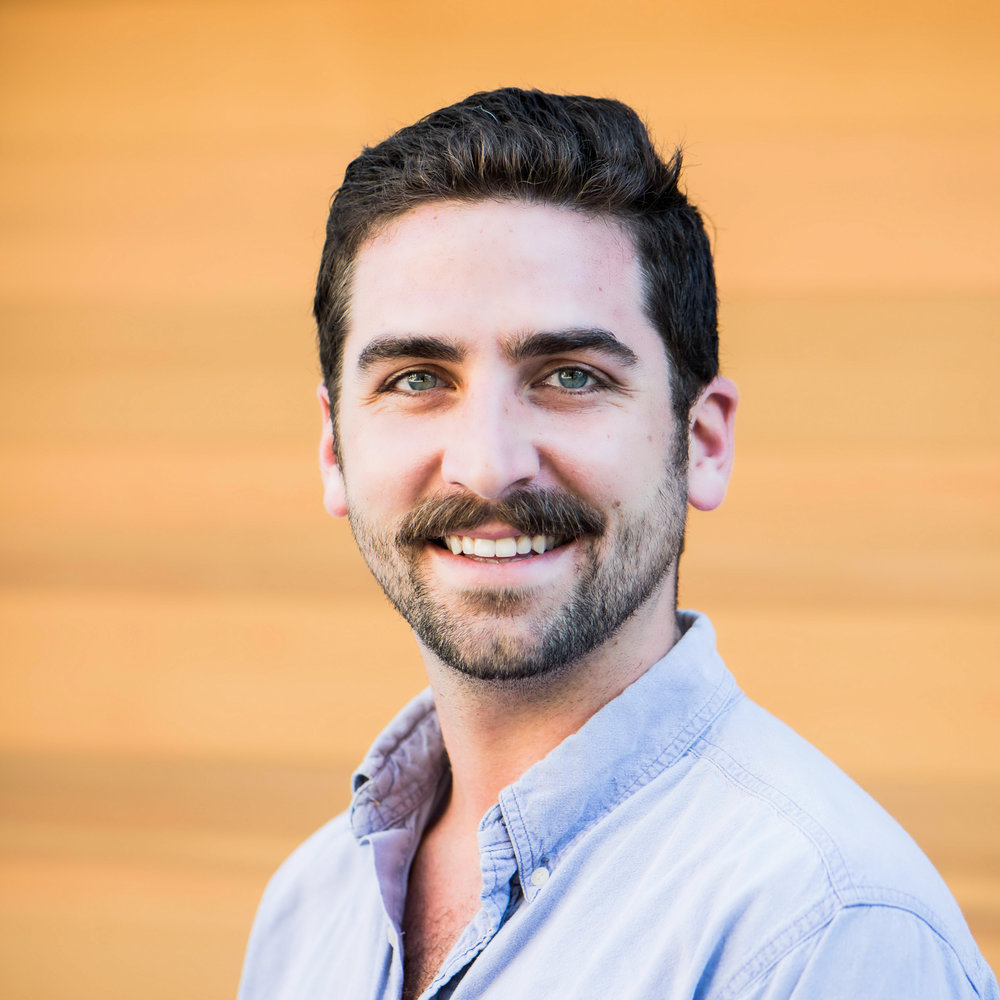Ryan Basso - Junior Account Manager Ryan graduated in 2013 from Boston's Suffolk University with a degree in English and a deep affection for the city streets.  A couple months after finishing school, he packed up and moved to San Francisco. After working and eating his way through college, Ryan jumped into the SF's nightlife scene immediately upon arrival. In 2016, after years of bartending and serving in some of San Francisco's most vibrant neighborhoods, Ryan was hired by Jen Pelka as her in house expert on local trends, publications, and the media landscape. At Magnum Ryan has found a perfect place to utilize his love for food, vogue, and the pulse of the city.