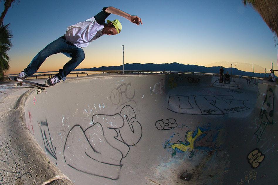 JAY BURTON / ROCK'N'ROLL / SALTON SEA, CA